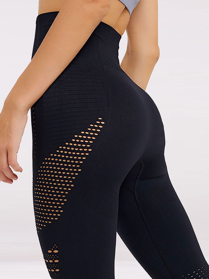 The infinity seamless compression leggings in black 2