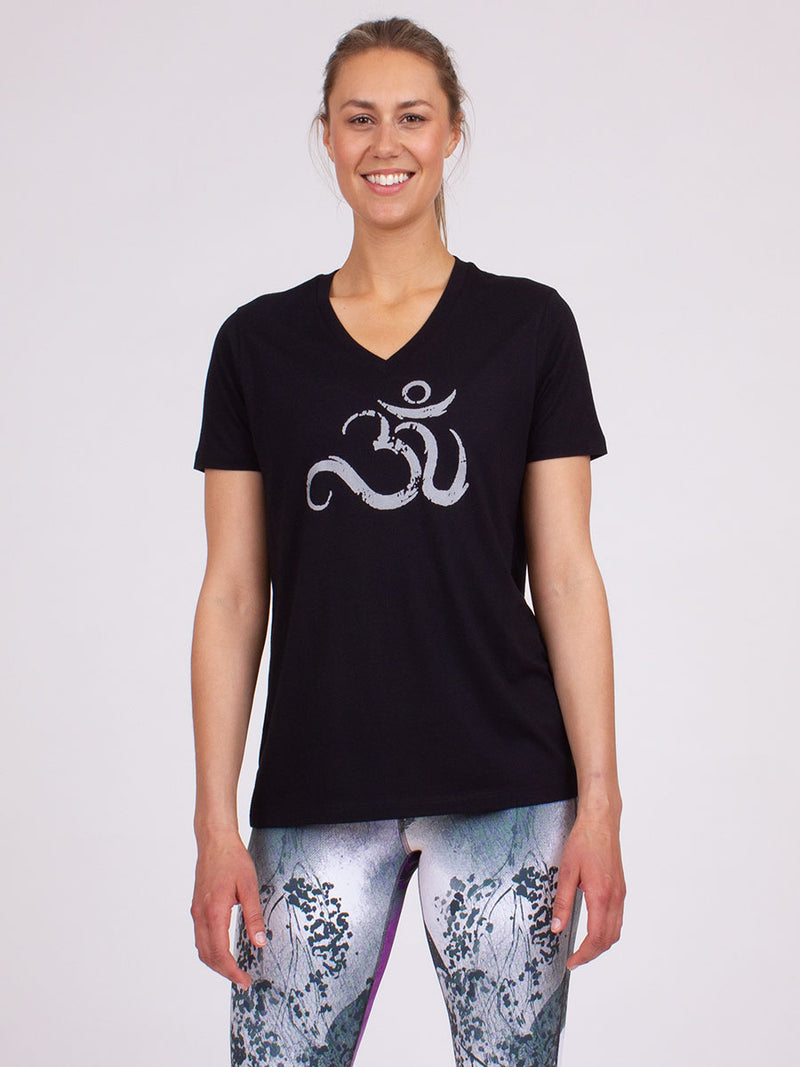 Ohm Yoga Tee in Black