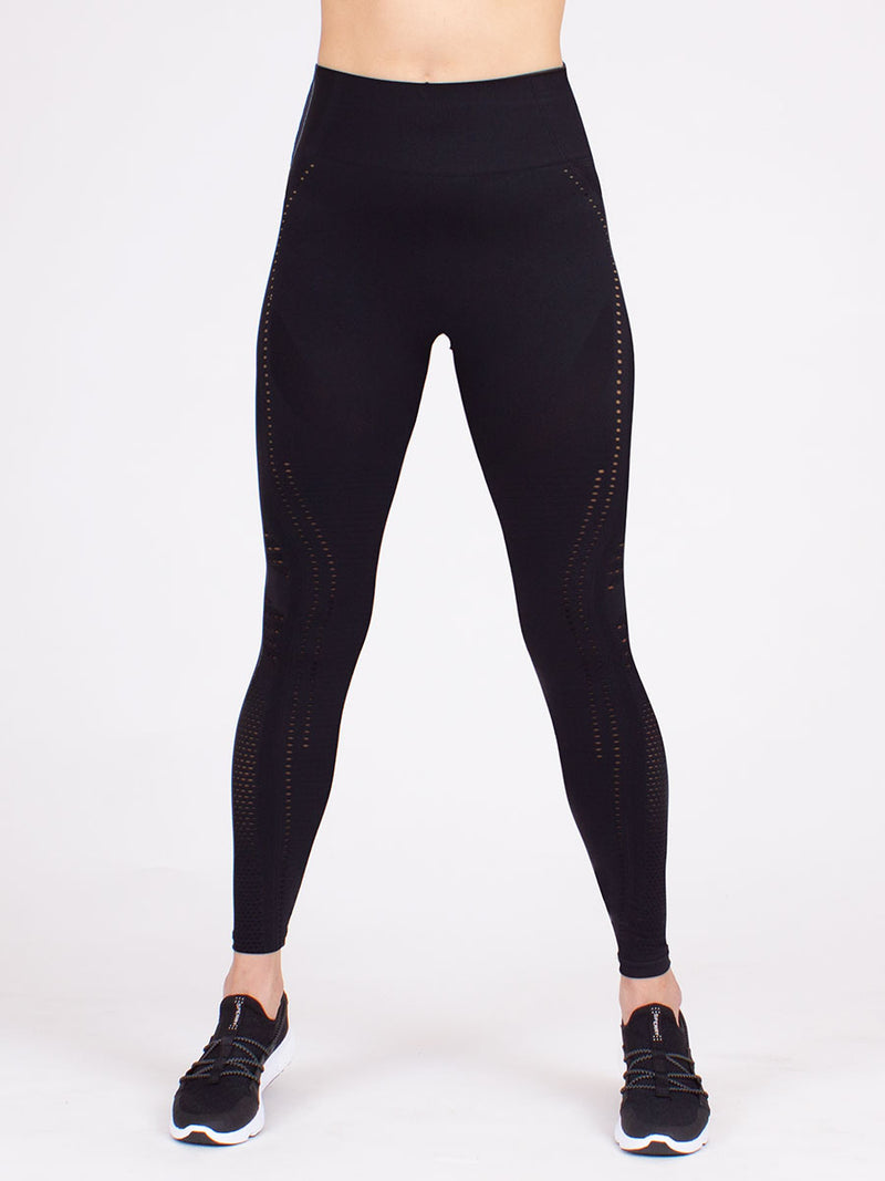 The infinity seamless compression leggings in black 3