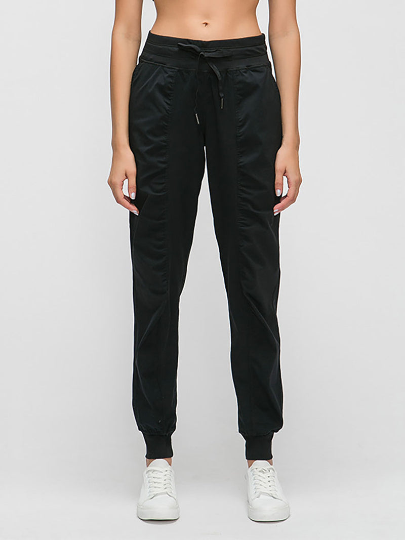 The breathe pant in black 3