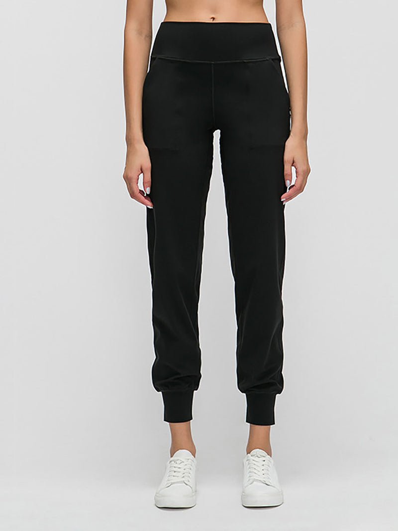 The Zoom Yoga Pant in Black-1