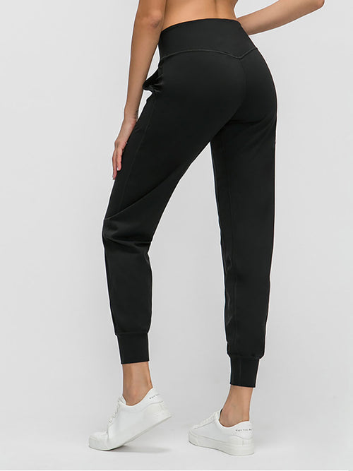 The Zoom Yoga Pant in Black-2