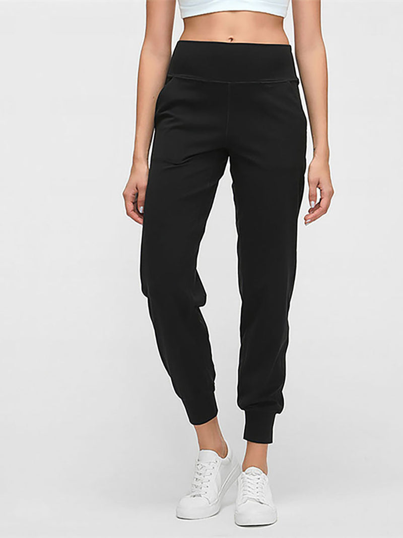 The Zoom Pant in Black