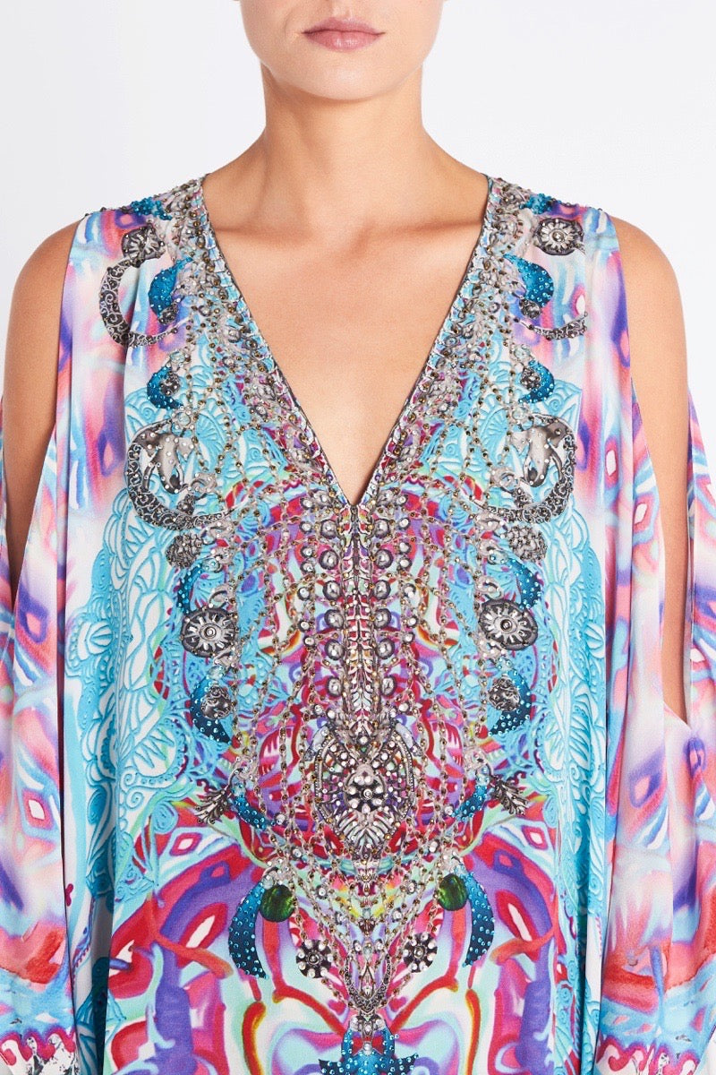 FREE AS A BIRD BIG WIDTH KAFTAN W FRONT SPLIT AND SHOULDER SLIT