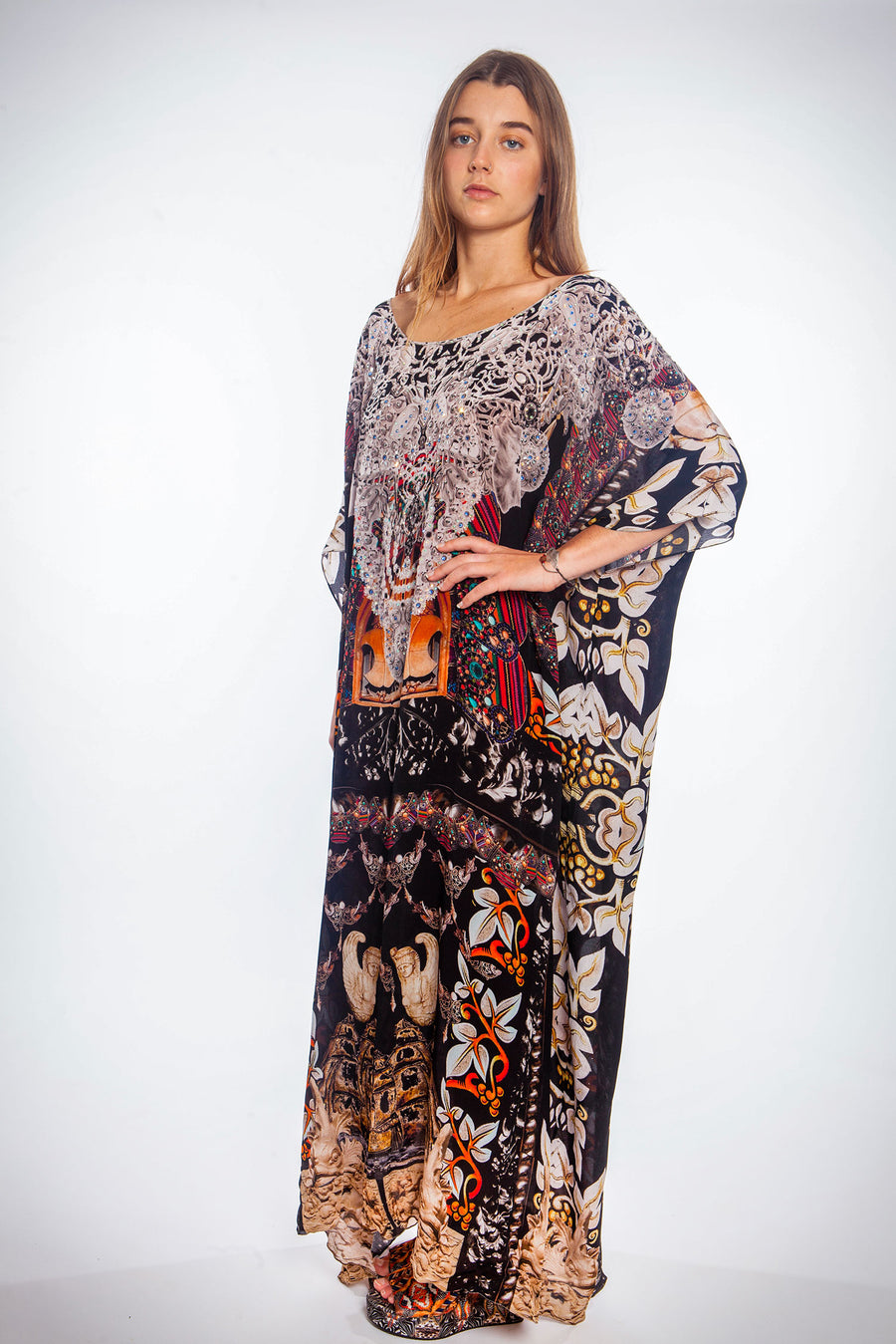 ENCHANTED ROUND NECK LONG KAFTAN