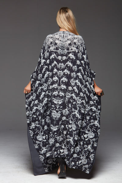 TAKE ME THROUGH THE NIGHT BIG WIDTH KAFTAN W FRONT SPLIT AND SHOULDER SLIT