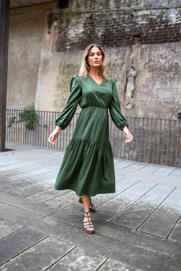 SIMPLY OLIVE - VN LONG DRESS W SLEEVES - Czarina