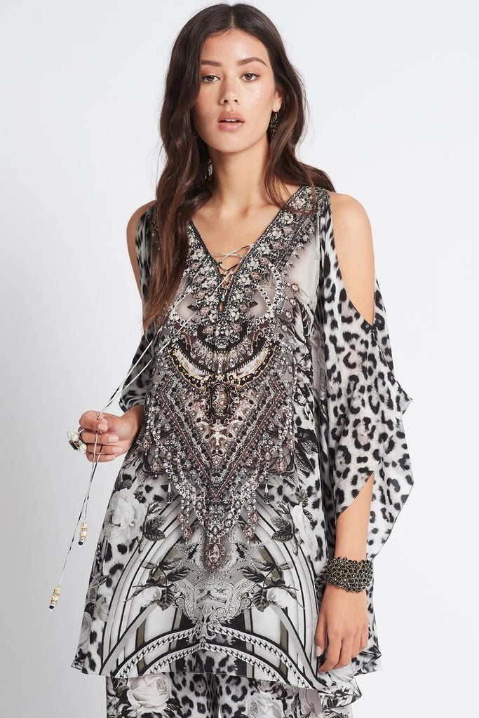WILD AT HEART BUTTERFLY TOP W SLIT - Czarina