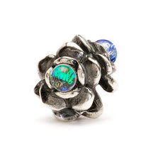 Load image into Gallery viewer, Three Flowers Bead, Silver