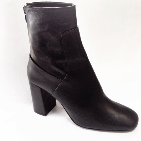 Lokas Ankle boot 3504 in Dream Black Leather
