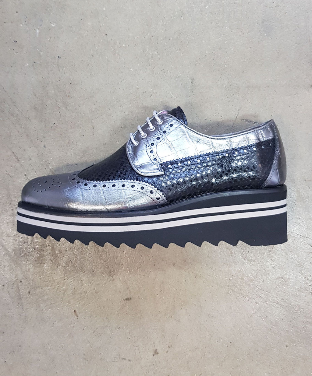 TORRETTI 7945 - BLACK/CHARCOAL/METALLIC BROGUE FLATFORM