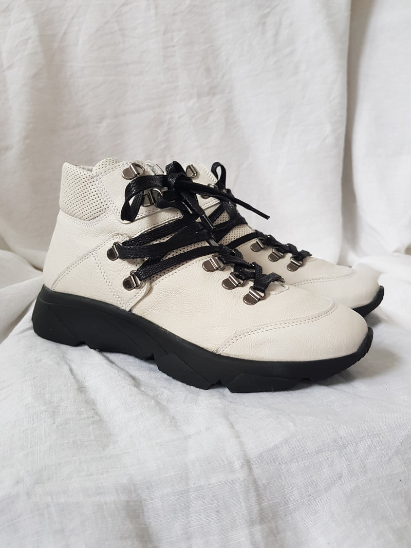 felmini c487 white leather hi-top sneaker in hiker luxe style