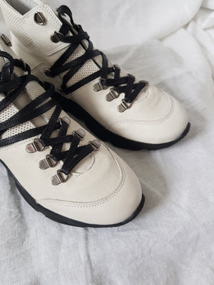 felmini c487 white leather hi-top sneaker in hiker luxe style black laces