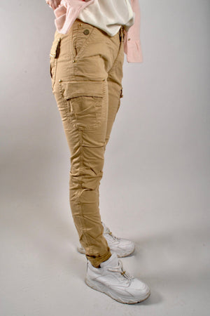 mos mosh cheryl cargo reunion pants in safari long length