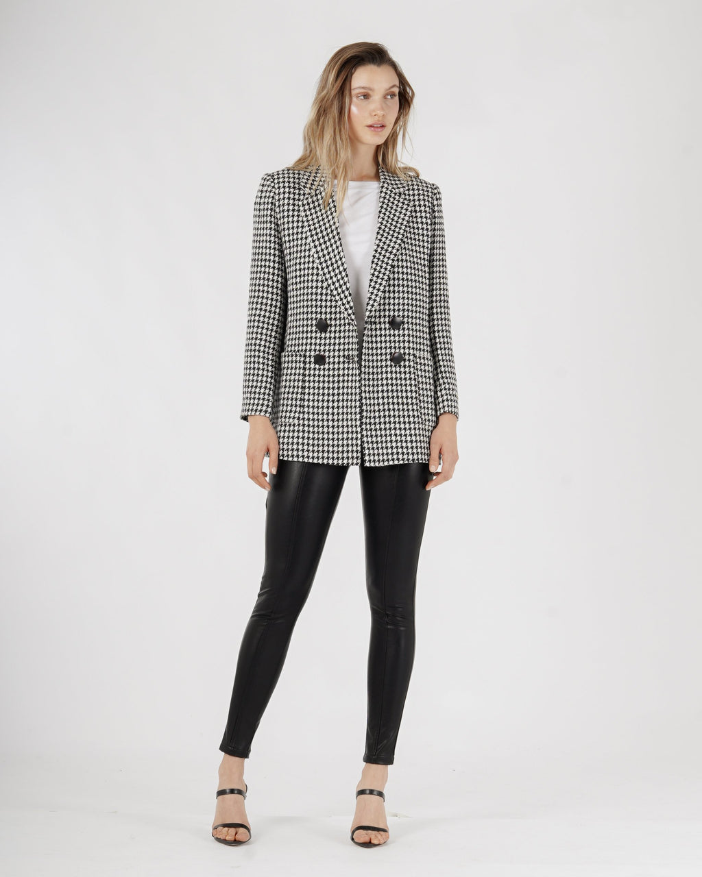 amelius houndstooth black and white blazer
