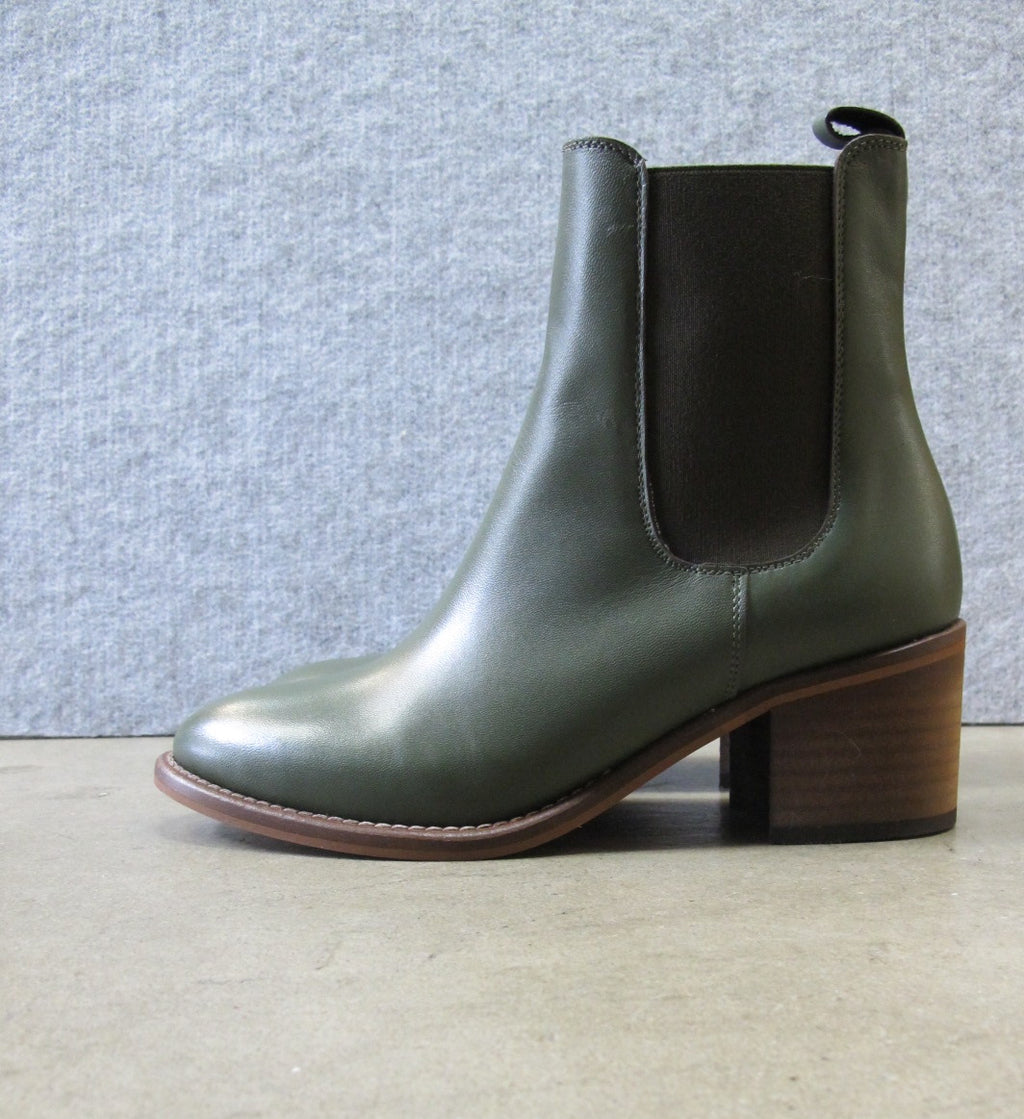 lokas shoes elastic sided ankle boot in green leather
