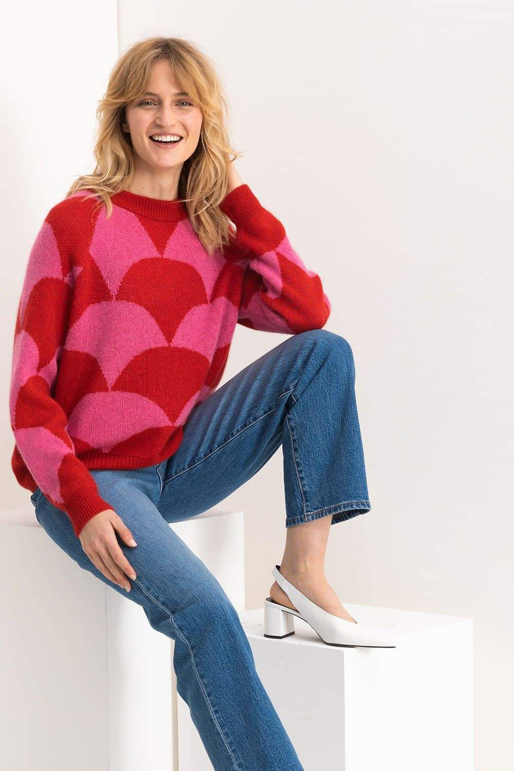 Mia Fratino - Frankie Pullover in Pink/Red