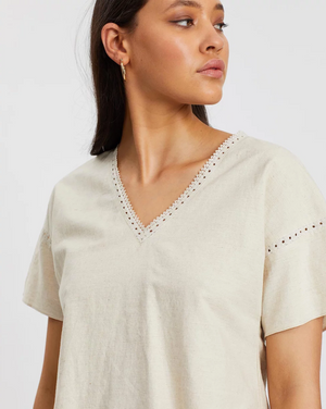 IMONNI - Calinda Trim Top
