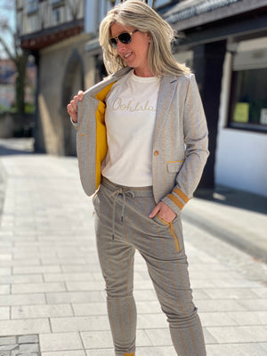 Fabia Jogger zhrill yellow herringbone cuffed sweatpant outfit