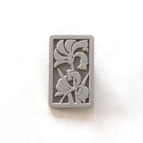 Garry & Jan Zeck -  'Kangaroo Paw 2010' Pewter Brooch (gze056)