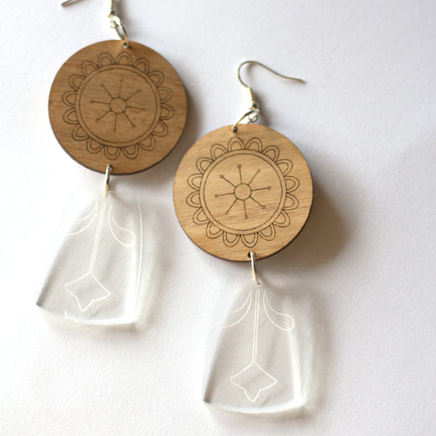 sca.har. - Acrylic and Timber Floral Dangle Earrings (hpe013)