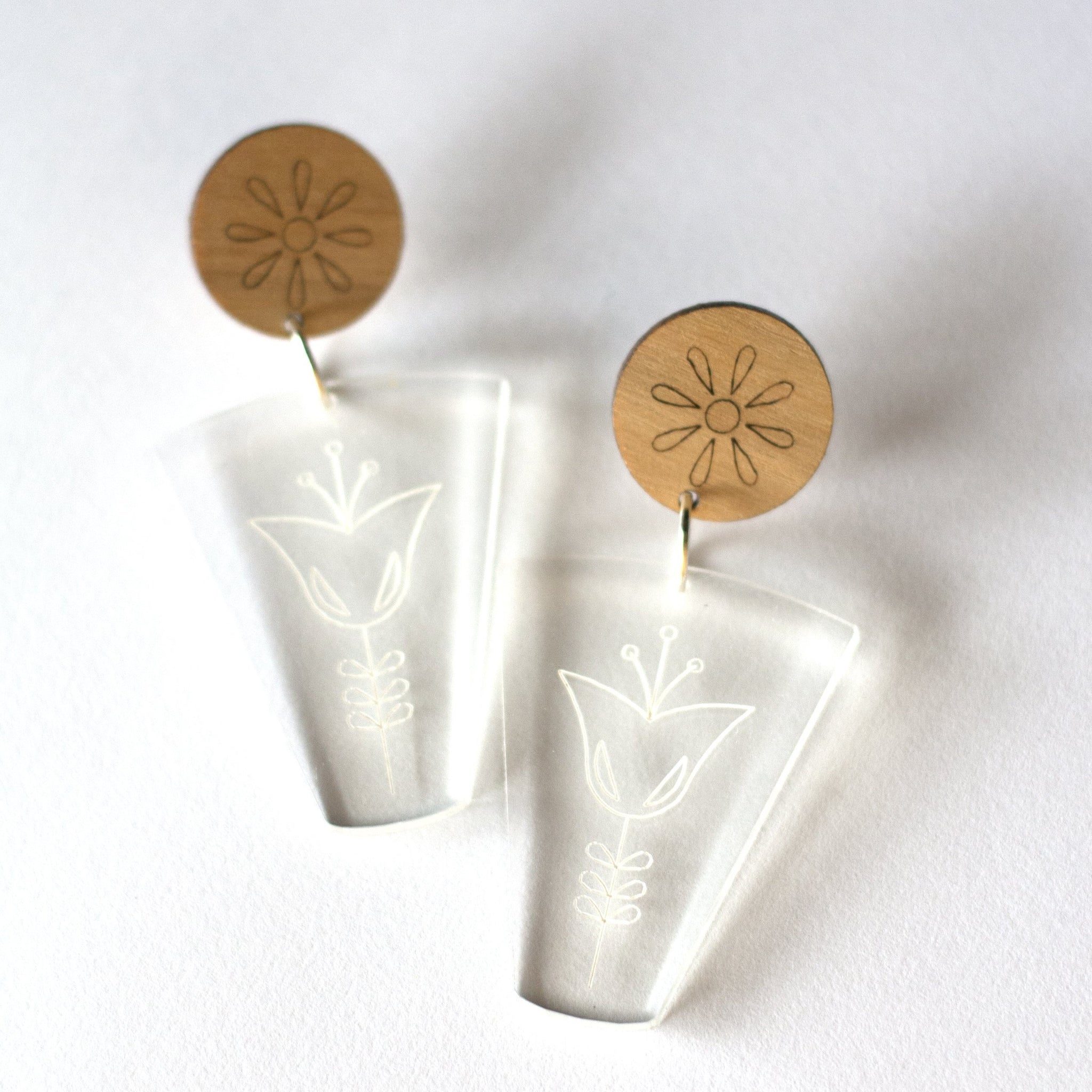 sca.har. - Acrylic and Timber Floral Dangle Studs (hpe009)