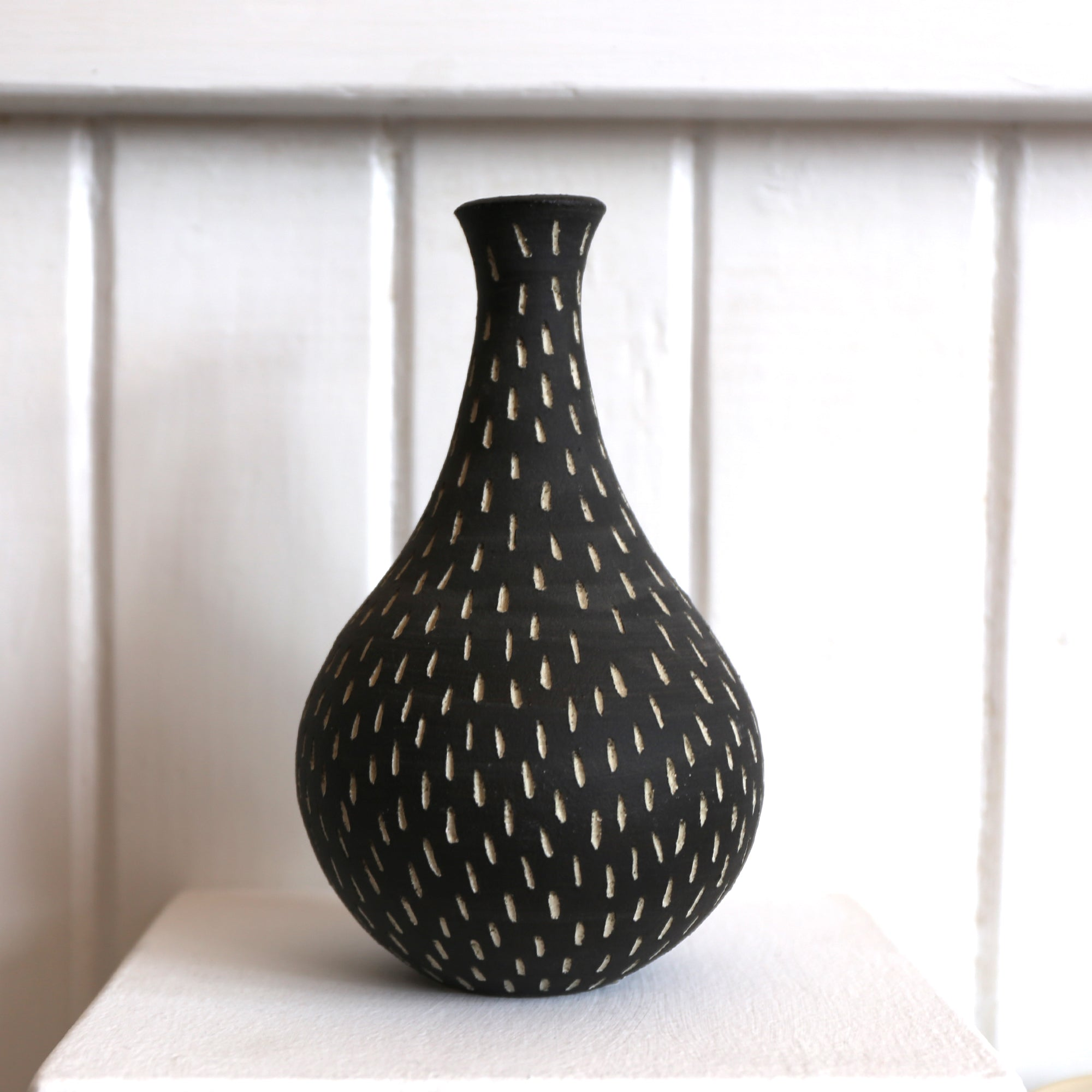 Dreaming Dog Studio - Genie Stem Charcoal Vase (npa025)