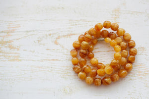 Amber beads. Why they're really not a good idea.....