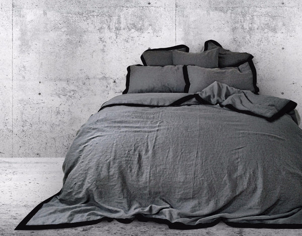 Naughty linen duvet cover Grey/Black border