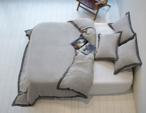 Naughty linen duvet cover Melange grey/Grey border