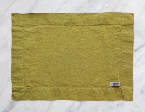 Linen placemat in Mustard