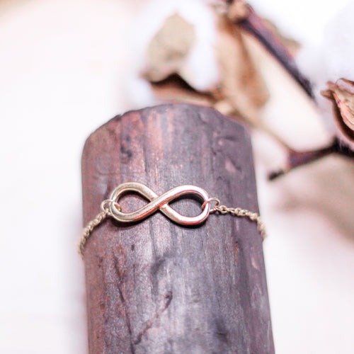 Infinity Bracelet - Gold - The Closet 101
