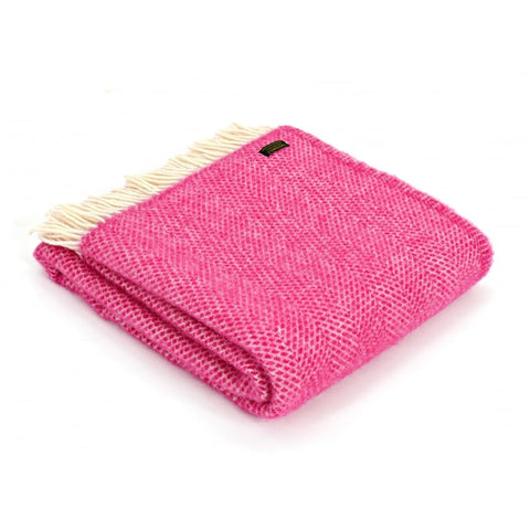 BEEHIVE THROW IN CERISE PINK