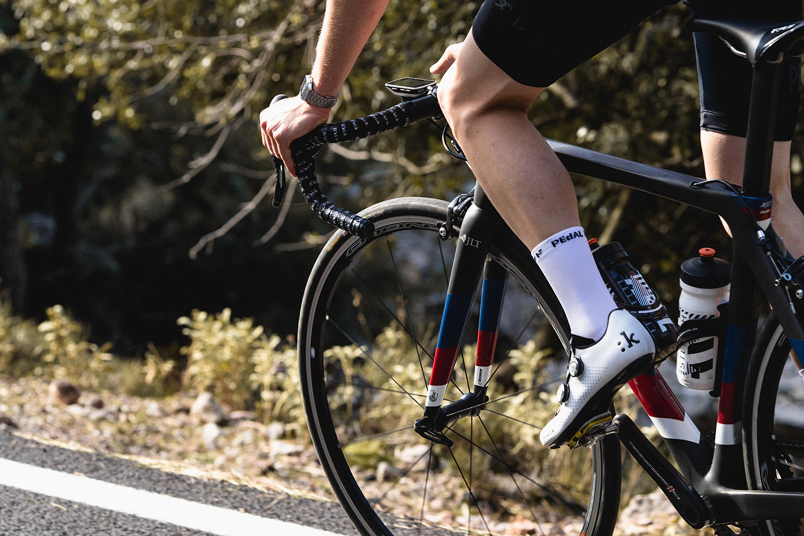 Two Reasons to Love the Fizik R1 Road Shoe (and one not to)