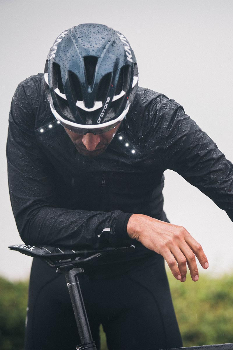 Metier cycling clothing with integrated LED lighting