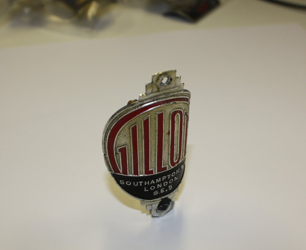 Gillo Head Badge