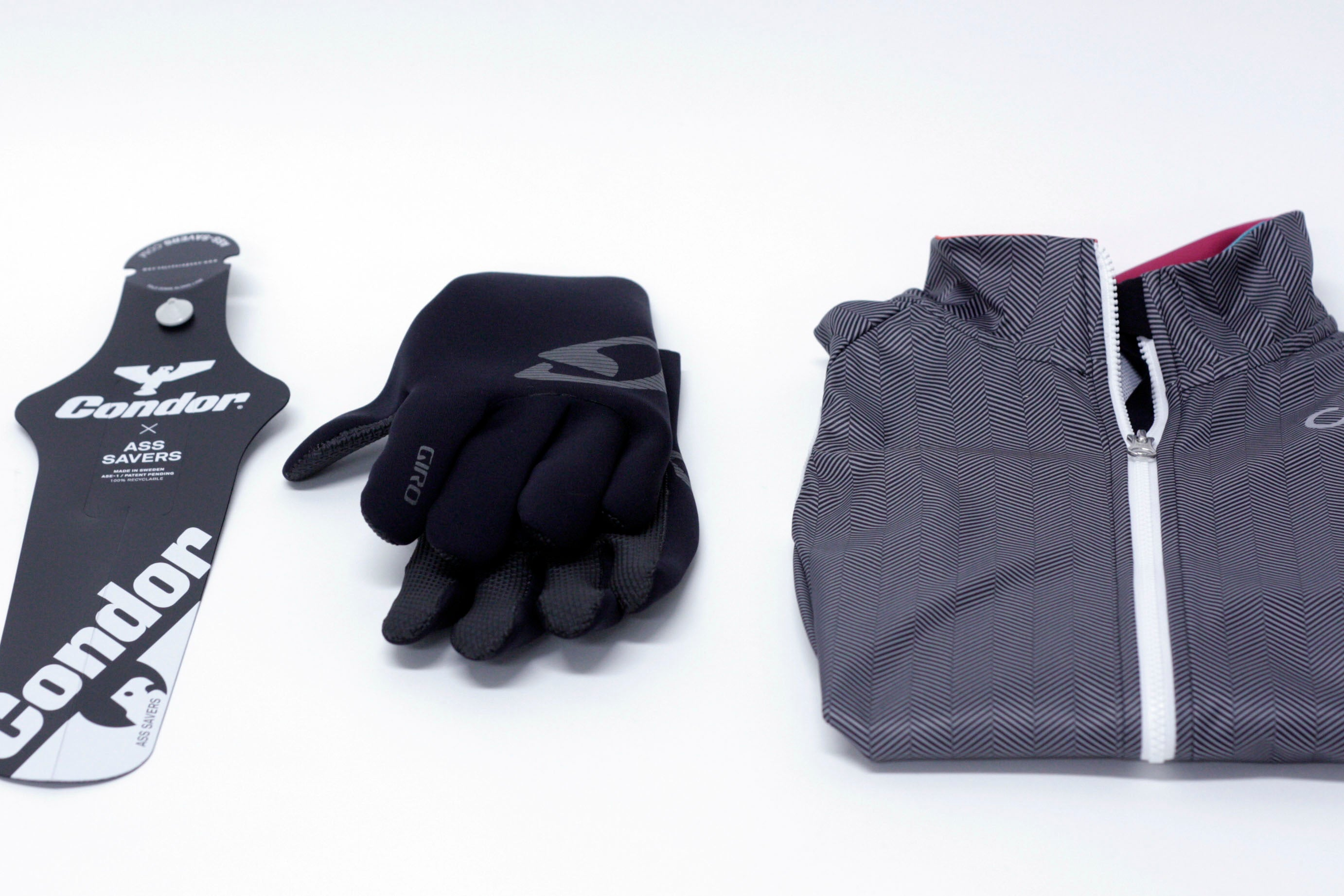 Gift selection: Ass Saver, Giro Neo Blaze gloves and Velocio gilet