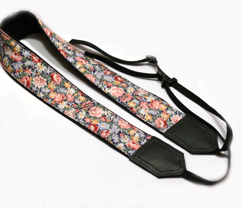 Flowers Camera Strap with a Pocket. Roses Camera Strap. DSLR / SLR Camera Strap. Photo Camera accessories.
