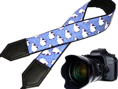 Soft and well-padded camera strap with personalization. Arctic birds - Penguin Design camera strap. Gift for photographer and traveller.