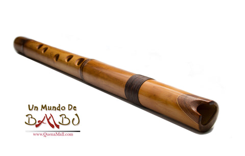 Professional Quenacho Flute in D Bamboo Phyllostachys Chin Rest Guayuvira and Walnut
