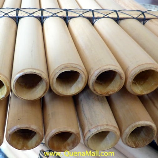 Toyos Bamboo Bass Panflute Panpipe in E Minor 16 Tubes