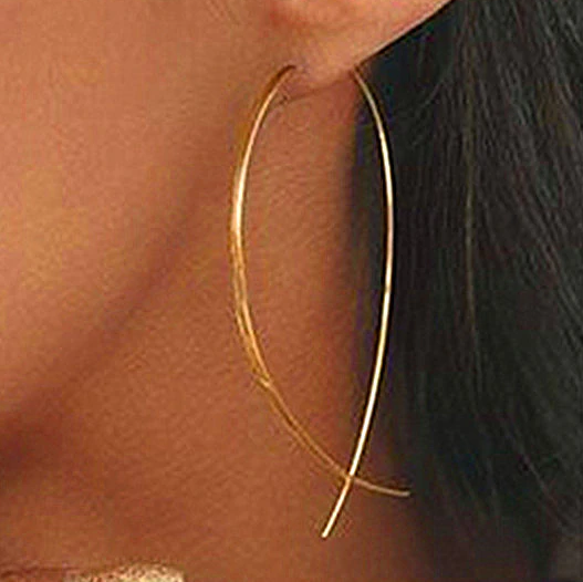 GOLD WIRE DANGLER EARRING