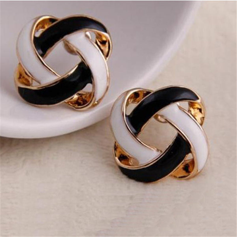 BLACK & WHITE GOLDEN DOUBLE OVAL EARRING