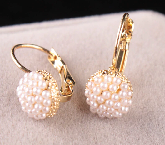 GOLDEN DROP WITH SMALL PEARLS EARRING