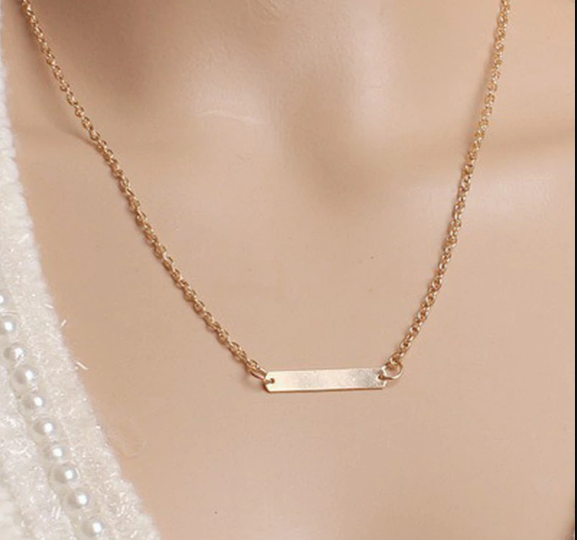 Golden Dash Minimal Necklace
