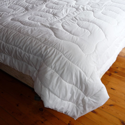 Cold Country Wool Comforter. Made in Canada