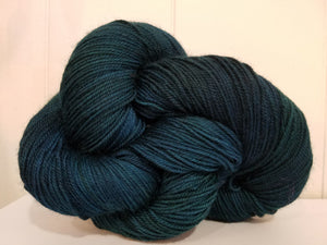 lake superior hiking trail yarn deep green blue