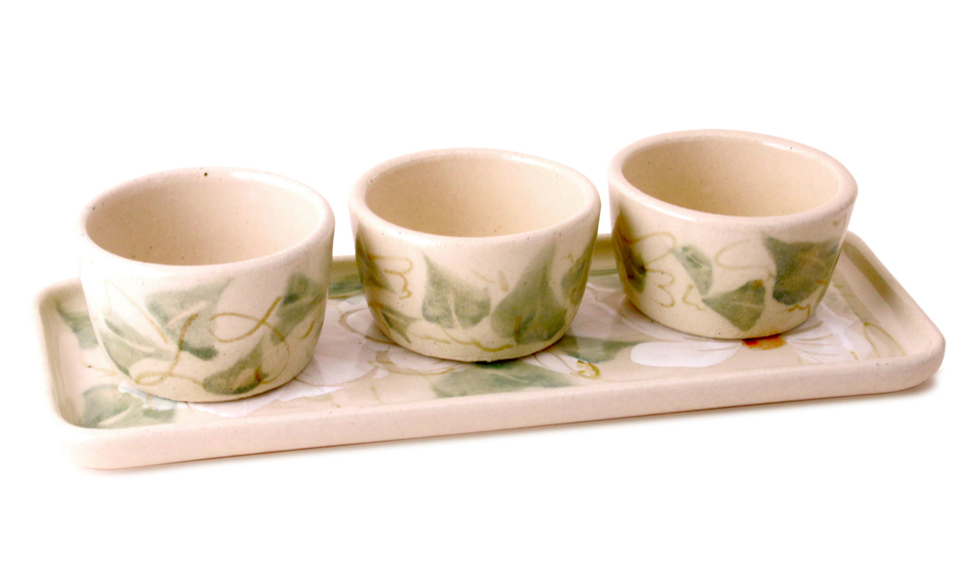White Floral Pinch Pot Set