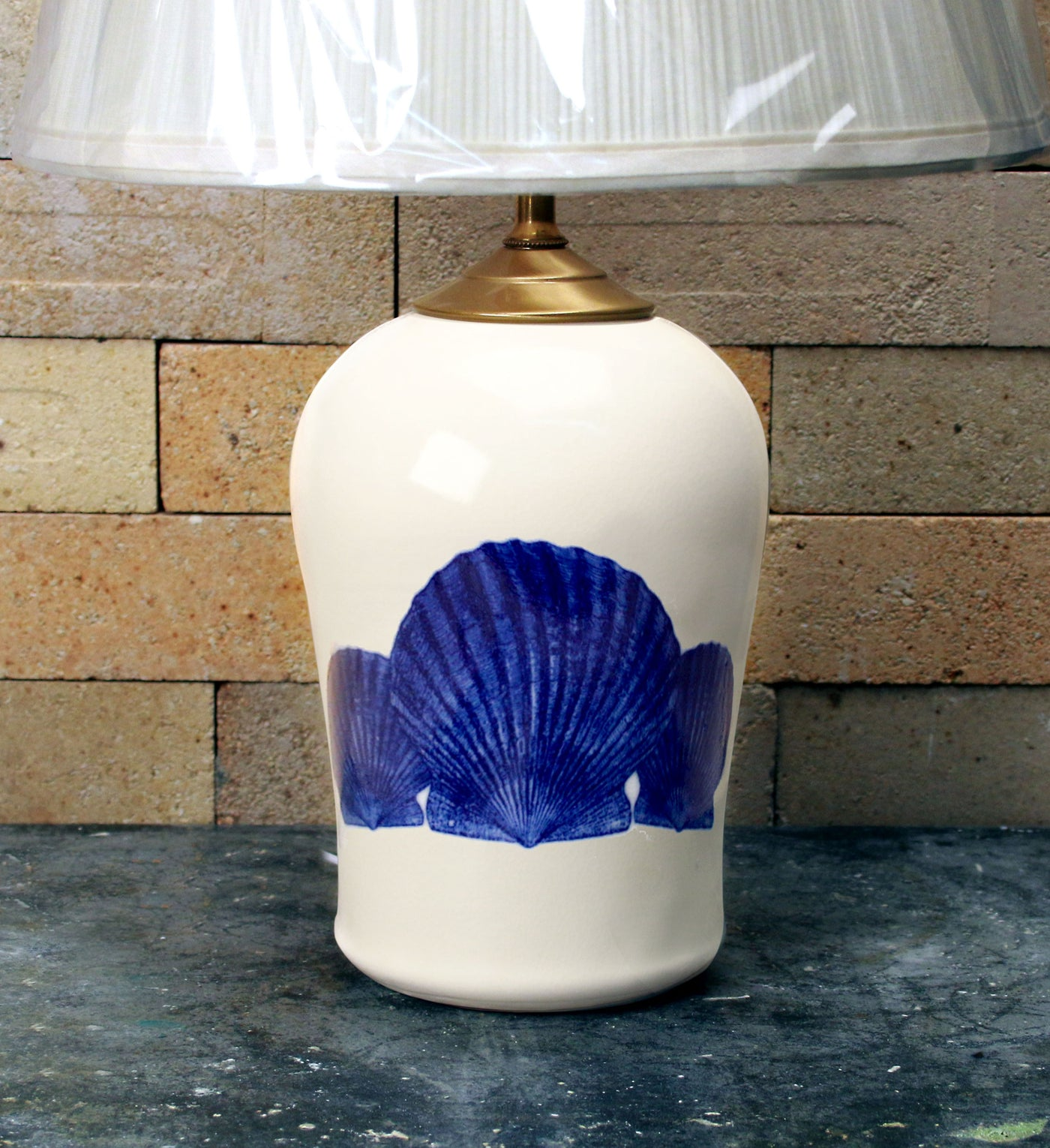 Chatham Pottery Scallop Shells In Glaze Decal Small Lamp