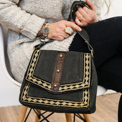 Be Unique Purse